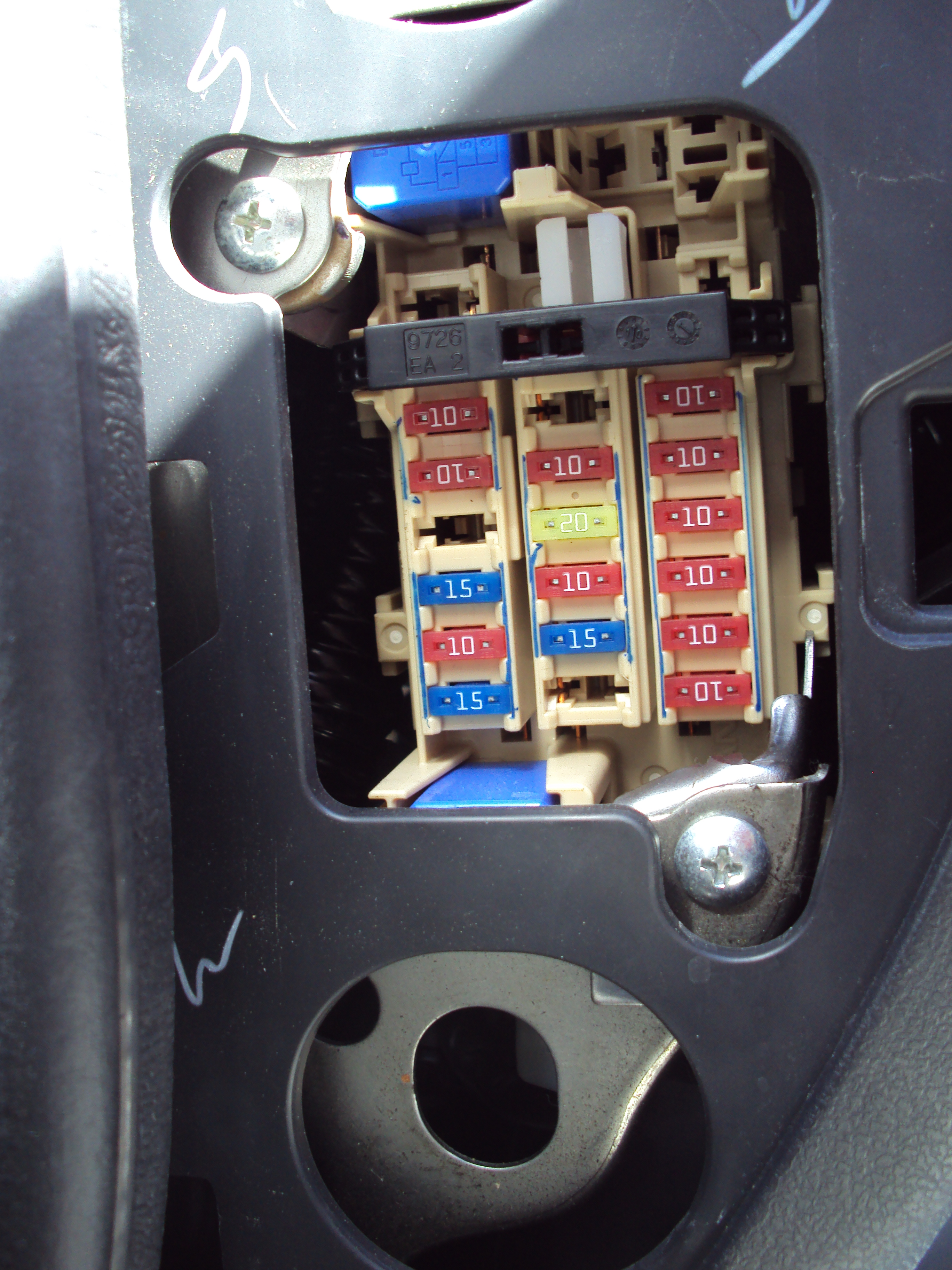 guide to find all the fuses interior fuse box and engine bay fuse box micra sports club